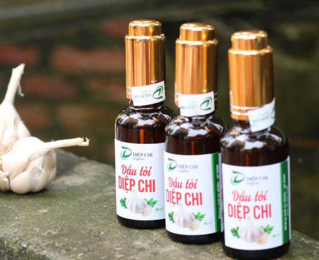 dùng tinh dầu tỏi để trị ho cho bé