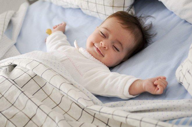 chú ý khi cho trẻ nằm trong phòng có điều hòa